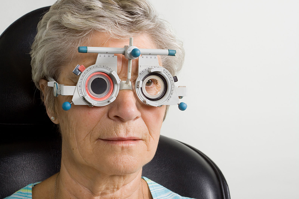 senior eye exams from your optometrist in moorseville